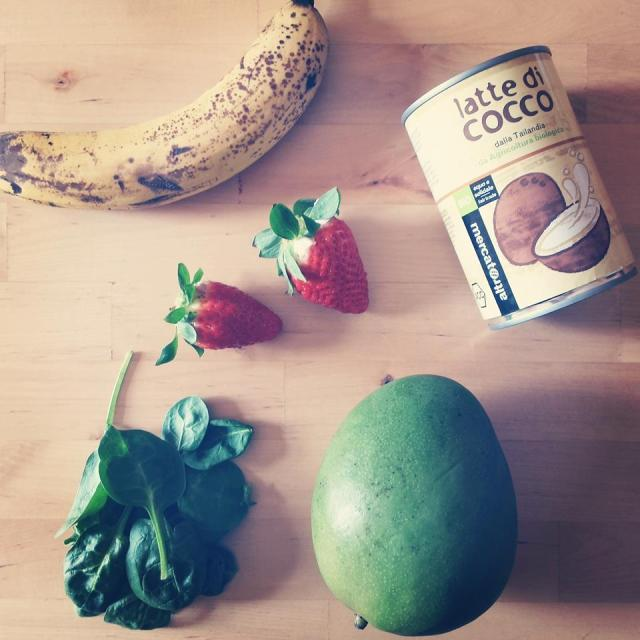 green coconut smoothie - 1